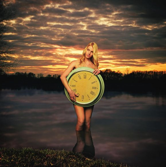 Zeitlos: Die Vorstellung, ohne die Zeit zu leben, sich entspannt und ohne Druck treiben lassen, mit der Abendsonne in die Nacht entschwinden – das alles repräsentiert Timeless. || f/3,2 | 1/400 s | ISO 400