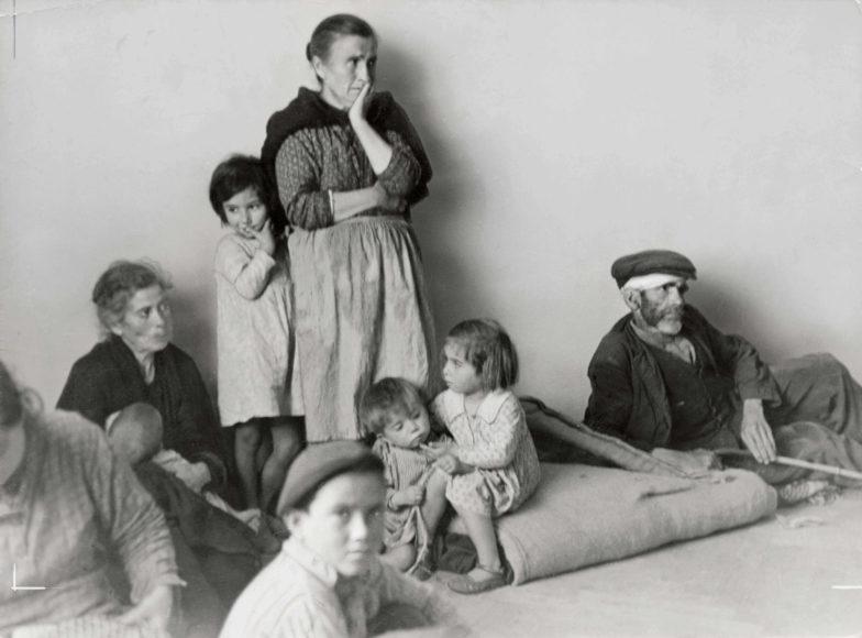 "Gerda Taro, ""Refugees from Málaga in Almería, Spain, February 1937"". © International Center"