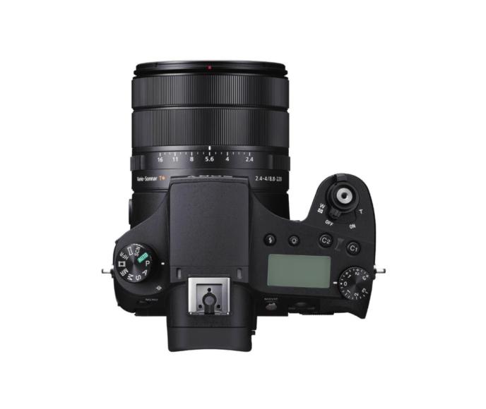 Die Sony RX10 IV besitzt einen Blendenring und ein Belichtungskorrekturrädchen.