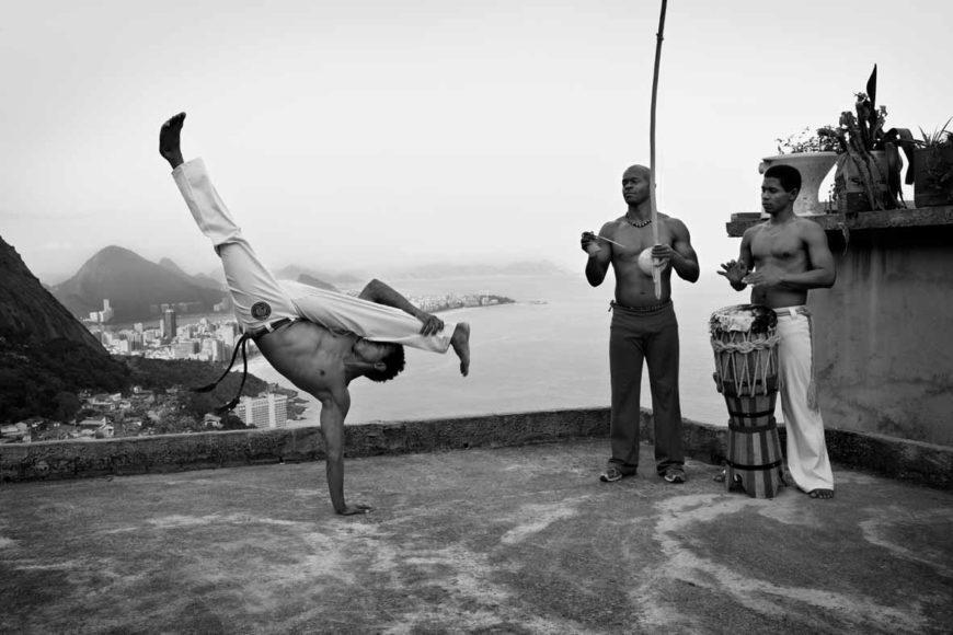 © Olaf Heine   courtesy Olaf Heine, Capoeira, Vidigal, Rio de Janeiro, 2012