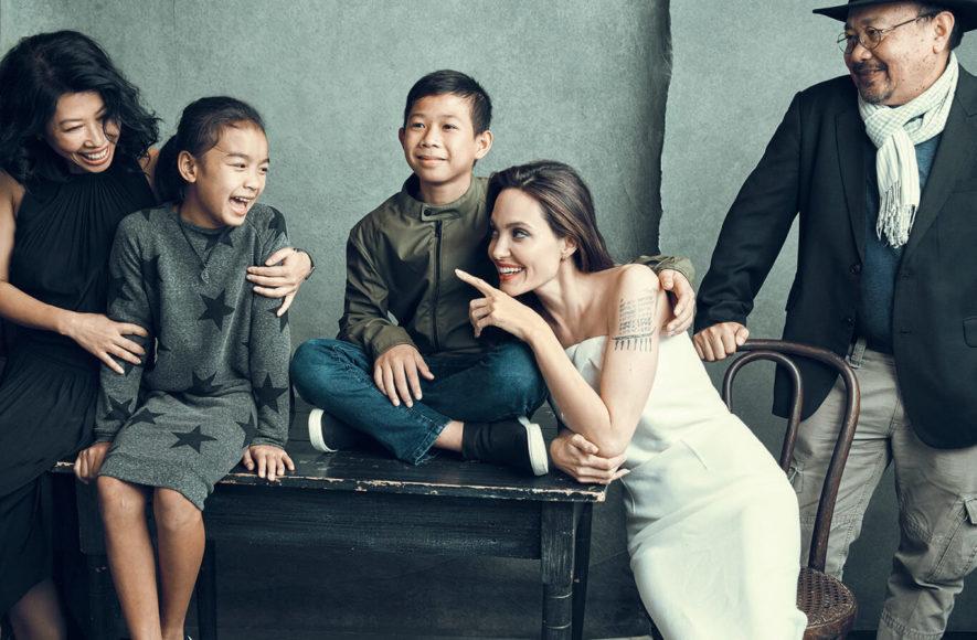 """Angelina Jolie mit Schauspielkollegen des Films """"Der weite Weg der Hoffnung"""" beim Toronto International Film Festival 2017. © Austin Hargrave"""