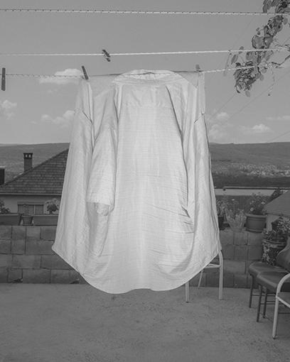 Hemd. Aus der Serie: Men don't cry, Bileća, 2018 © Hannes Jung