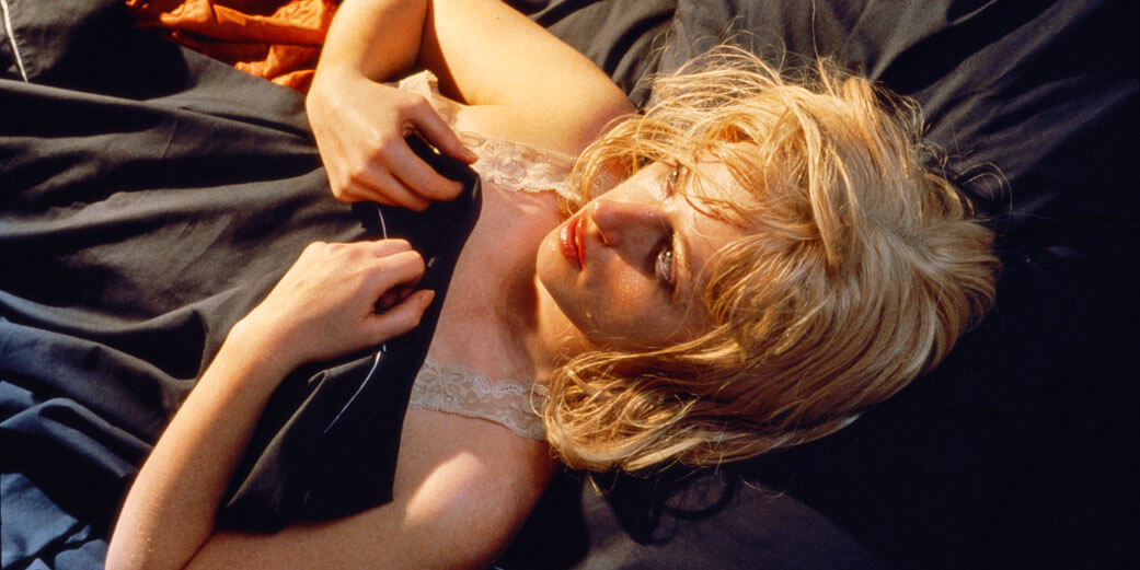 © Cindy Sherman Untitled #93, 1981 | Chromogener Farbabzug | 24 x 48 in. | 61 x 121,9 cm | Astrup Fearnley Collection, Oslo, Norway | Courtesy of the artist and Metro Pictures, New York