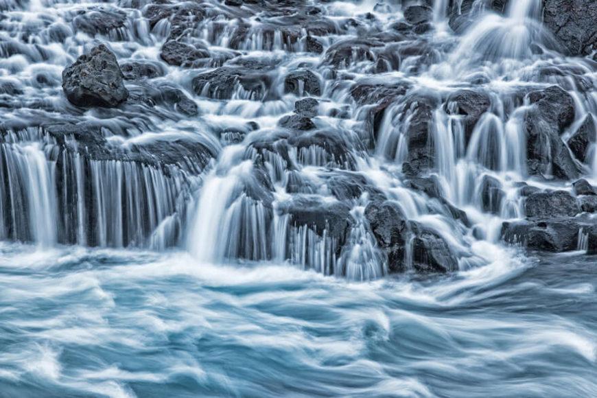 SIEGER   SONDERKATEGORIE WASSER  © Britta Strack - Wasserspiel  Hraunfossar, Island