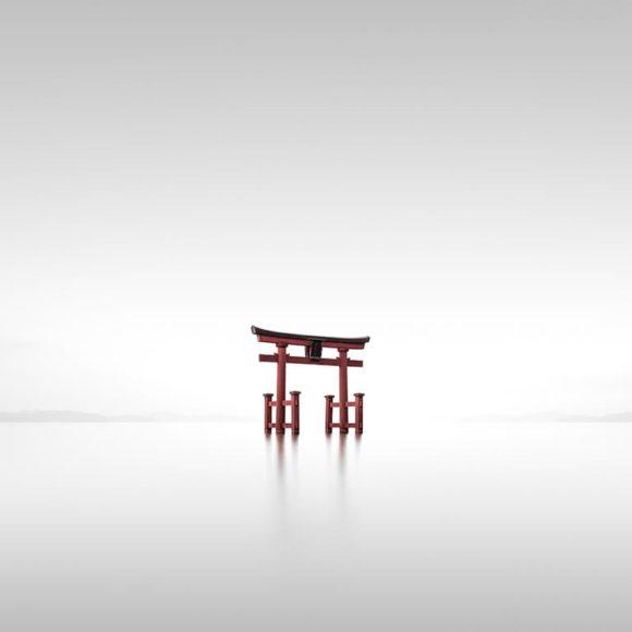 Torii IX - Shirahige, Japan 2019 © Ronny Behnert