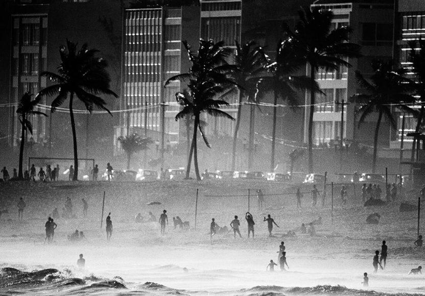 © Thomas Hoepker, © Magnum Photos, Copacabana, Rio de Janeiro, Brazil, 1968
