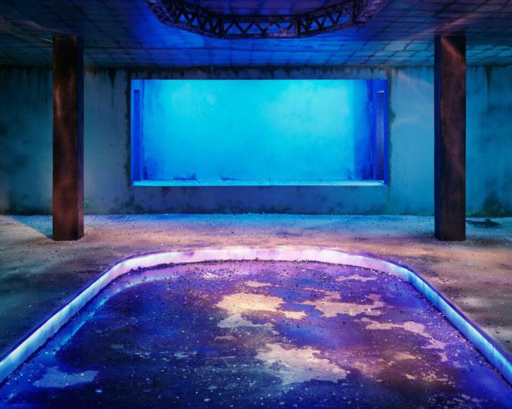 Chen Wei, Dance Hall (Blueness), 2013, Sammlung Alexander Tutsek-Stiftung © Image courtesy of the artist and Blindspot Gallery