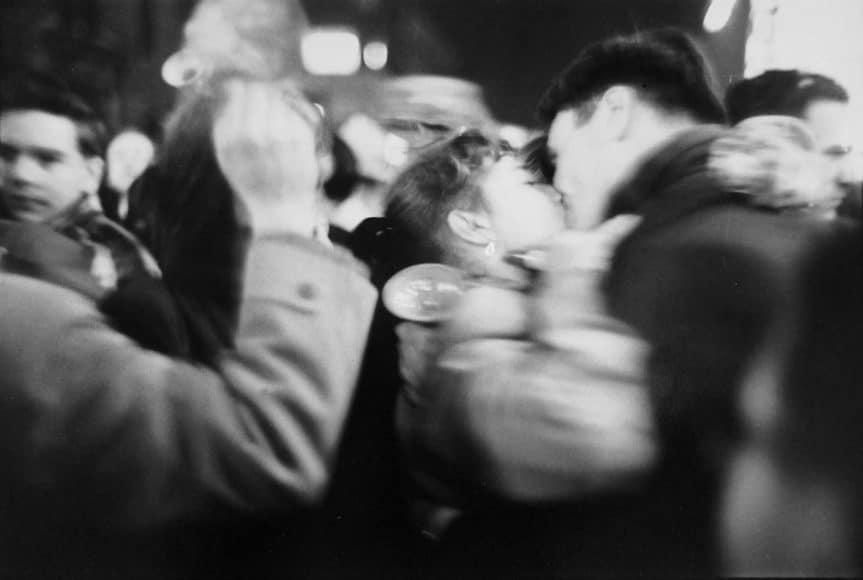 Kiss, 1952 © Saul Leiter Foundation