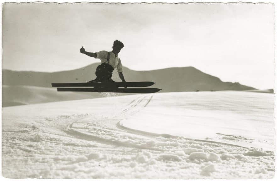 Im Skigelaende bei Adelboden. Quersprung |Foto: Emanuel Gyger und Arnold Klopfenstein aus der Sammlung von Dr. Daniel Müller-Jentsch