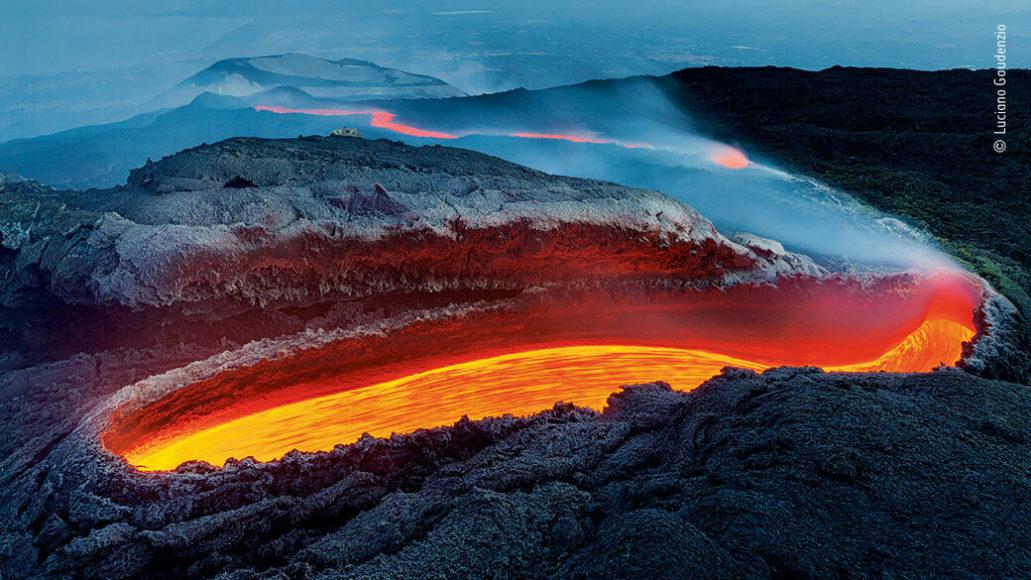 """Lebensraum Erde: © Luciano Gaudenzio (Italien) """"Der Feuerfluss des Ätnas"""""""