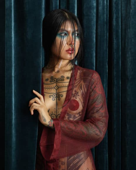 © Christian Tagliavini La ragazza tatuata.