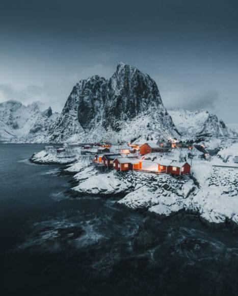 Lofoten Norway | © Luke Stackpoole