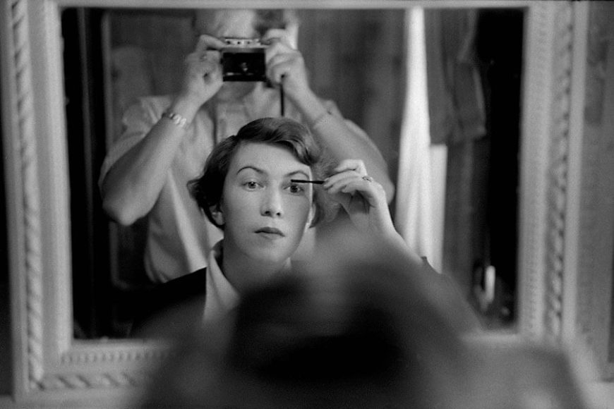 © René Groebli, René photographing his wife, from the series The Eye of Love, Paris, 1952.