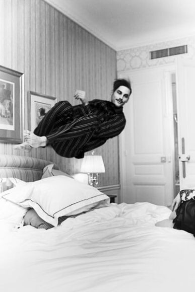 The perfect jump_Samuel Hotel Westminster, Paris 2012, © Esther Haase.