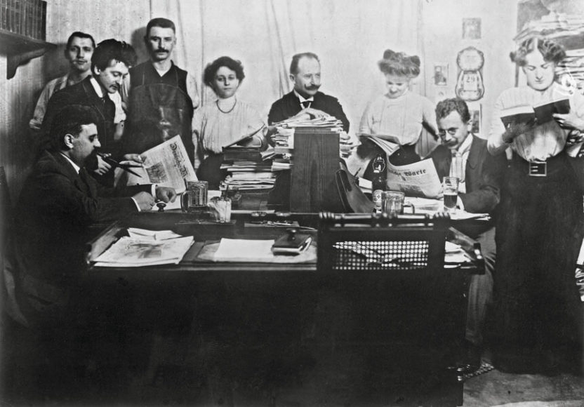 Redaktion der illustrierten Tageszeitung Deutsche Warte, 1910. © bpk.