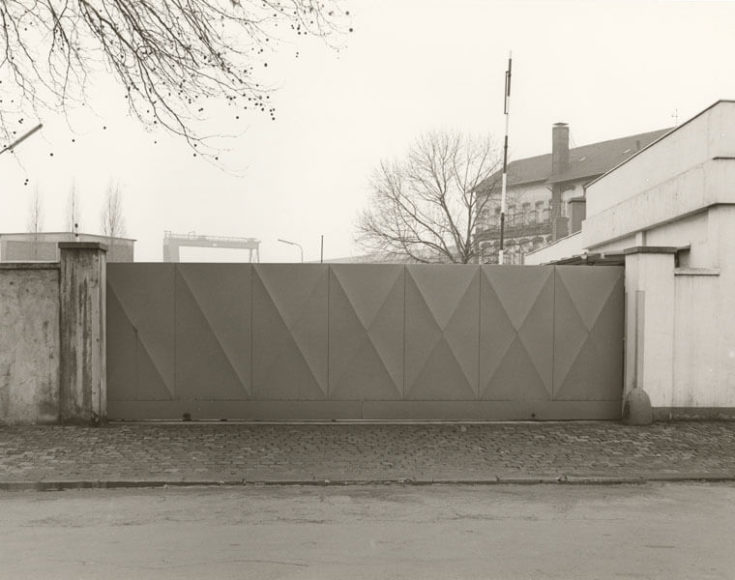 Tata Ronkholz (1940-1997), Ohne Titel (Industrietor), 1977, gelatin silver print, printed ca. 1977-1984, © Van Ham Art Estate / Courtesy Kicken Berlin.