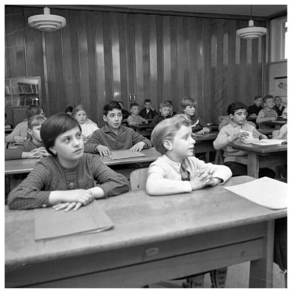 Italienische Gastarbeiter-Kinder in Walsum, Walsum 29.05.1962. Im Auftrag des Presse- und Informationsamts der Bundesregierung. © Bundesarchiv B 145 Bild-F013076-0005, Foto: Ludwig Wegmann.
