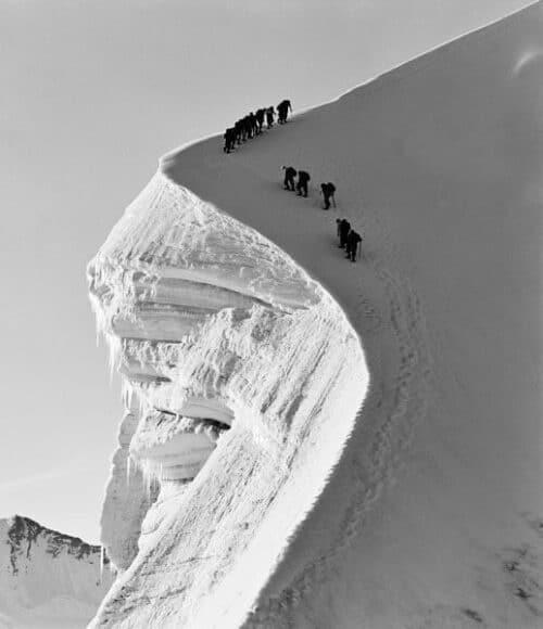 Ernst A. Heiniger, Seilschaft am Biancograt, Graubünden, 1941 © Fotostiftung Schweiz.
