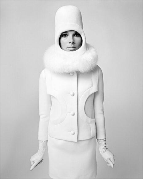 """Sputnik Girl"" / Space Age Look von Pierre Cardin Paris 1966 / © F.C. Gundlach / Stiftung F.C. Gundlach"