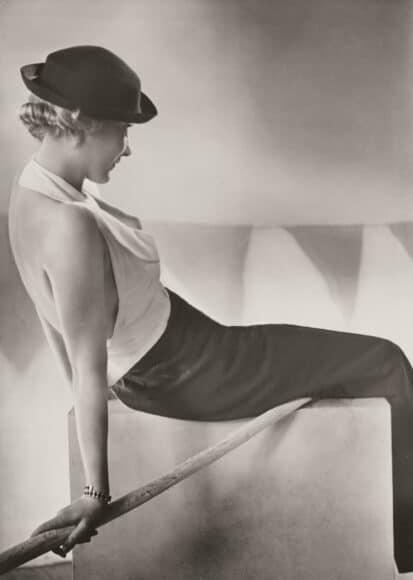 Yva (1900–1944), Reise- und Segelanzug, ca. 1932 Silbergelatine-Abzug 23,1 × 16,6 cm, Städel Museum, Frankfurt am Main, Foto: Städel Museum, Frankfurt am Main.