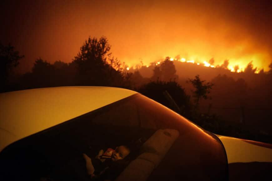 SPOT NEWS, SINGLES, 3rd Prize, Title: Forest Fire, © Nuno André Ferreira, Portugal, Agência Lusa
